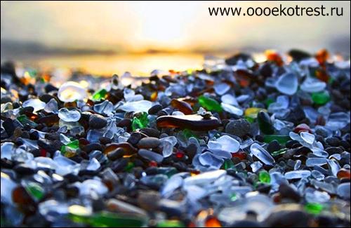Удивительный стеклянный пляж в США